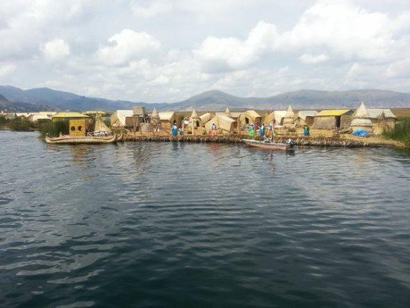 lac titicaca iles uros