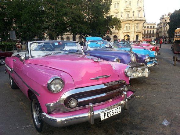 Voitures anciennes à Cuba